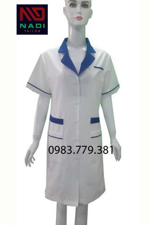Áo blouse nữ trắng phối xanh dương tay ngắn ABM003