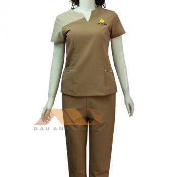 đồng phục nhân viên clinic nâu