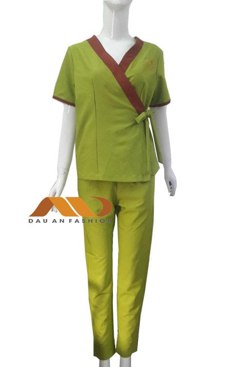 Đồng phục nhân viên màu xanh viền nâu