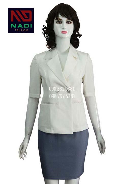 Đồng phục lễ tân spa áo trắng váy xám