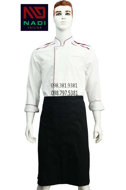 Áo bếp trắng viền đỏ - đơn giản thanh lịch nhưng không kém phần trẻ trung