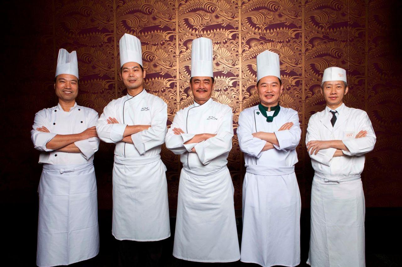 Đồng phục bếp cao cấp nói lên được sự đầu tư vào thương hiệu của bạn