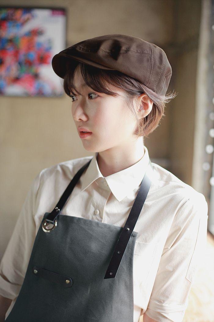 Beret Hat là loại mũ khá phổ biến trong các nhà hàng hiện nay. Hay ở Việt Nam còn gọi là mũ nồi, khá thời trang và linh hoạt trong lựa chọn màu sắc.