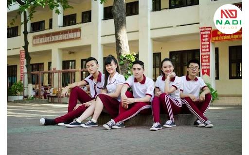Đồng phục học môn thể dục