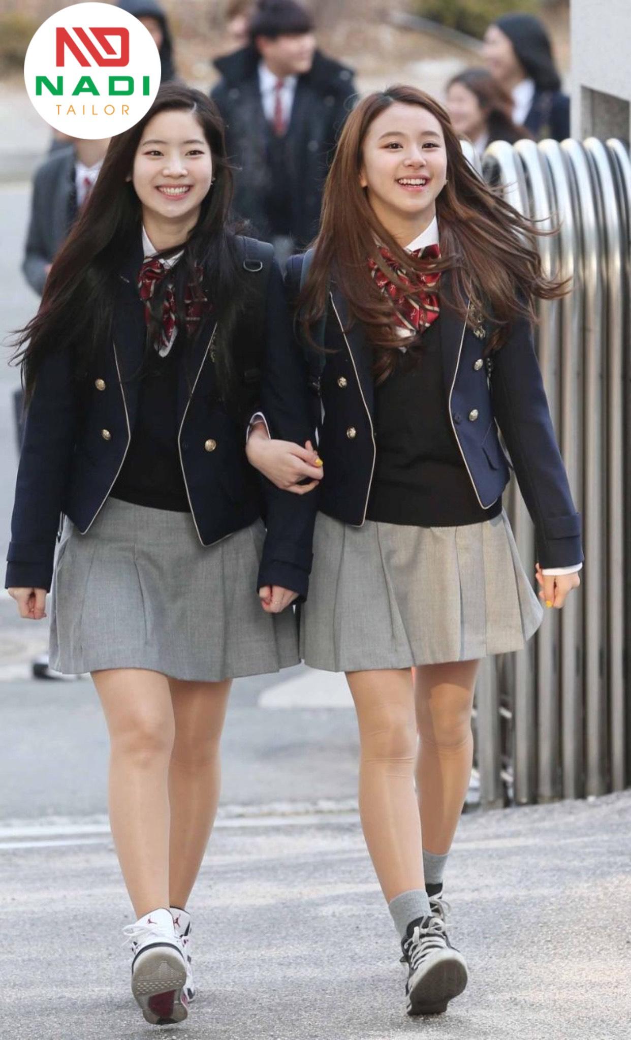 Các trang phục học đường đẹp giúp các em tự tin hơn
