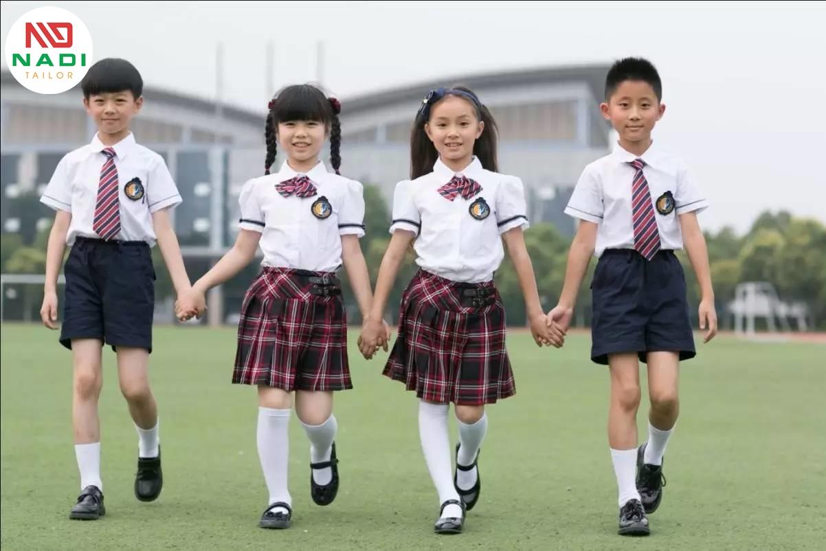đồng phục học sinh nữ