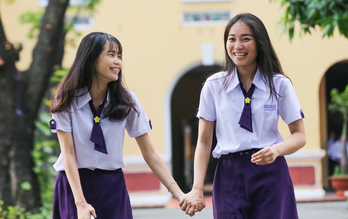 Ngôi trường thứ 2 có đồng phục đẹp chính là Nguyễn Thị Minh Khai
