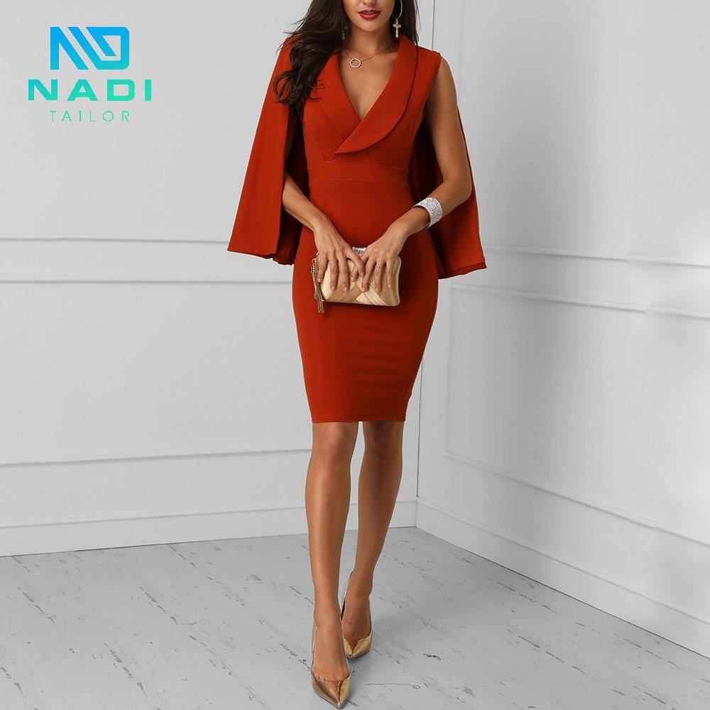 Nóng bỏng, trẻ trung qua set đồ đỏ, mẫu áo đồng phục công sở nổi bật