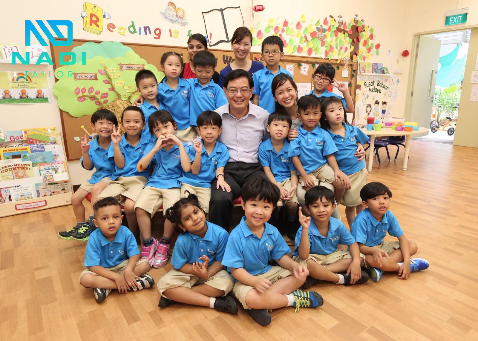 Không có sự khác biệt hay khoảng cách, đồng phục dần sẽ tạo nên những thói quen tốt cho các em học sinh mầm non