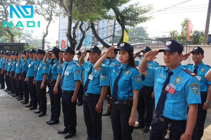 Mua đồng phục bảo vệ TP.HCMMàu xanh là màu sắc phổ biến nhất khi may trang phục cho nhân viên bảo vệ.