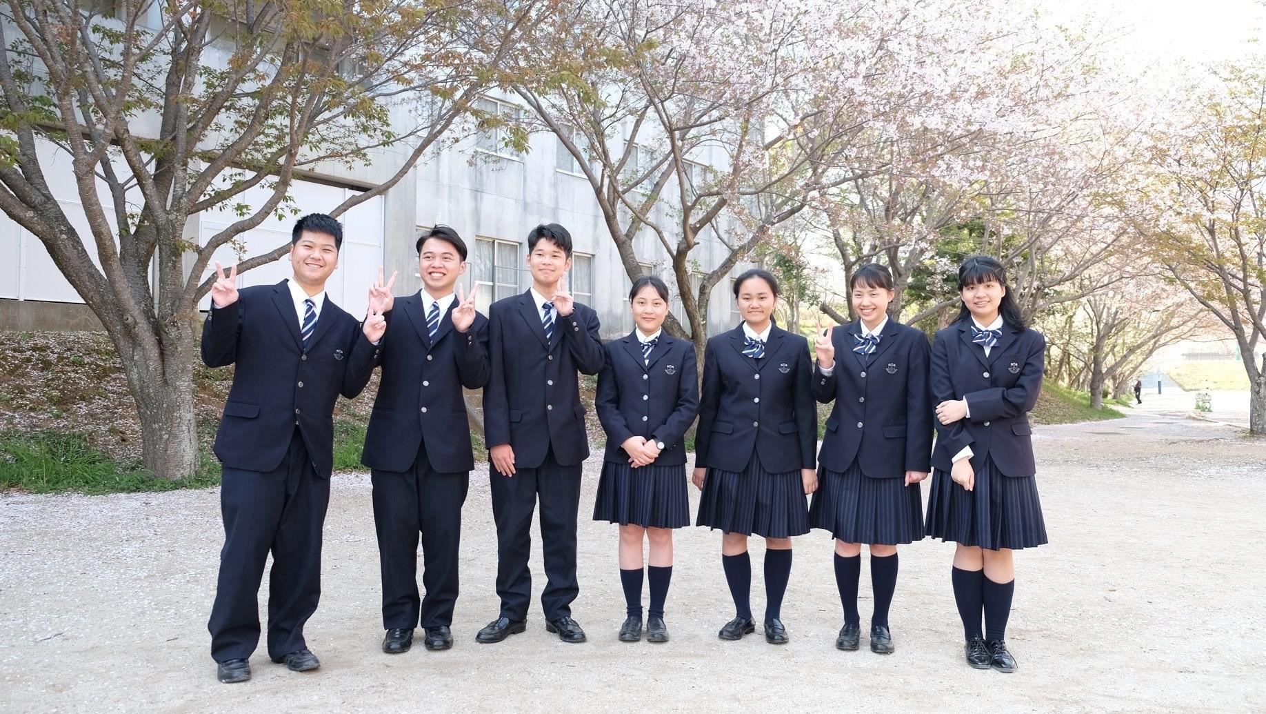 Đồng phục nữ sinh - nam sinh Nhật Bản không chỉ đẹp mà còn rất đa dạng kiểu dáng