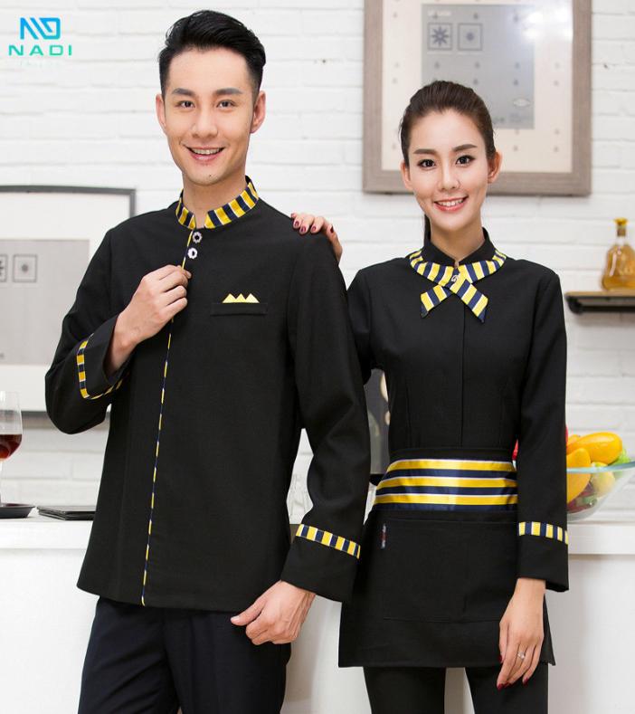 Phụ kiện đi kèm với áo đồng phục quán cà phê được ưa thích